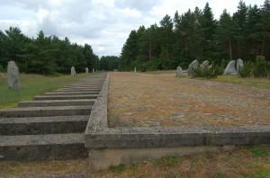 Symbolic railway platform at Treblink II