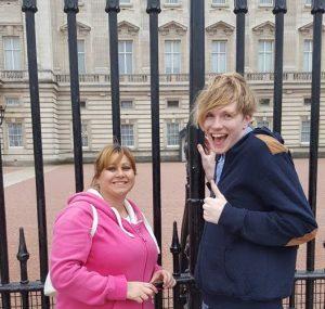 Blogger Lauren and University Friend Josh outside Buckingham Palace gates
